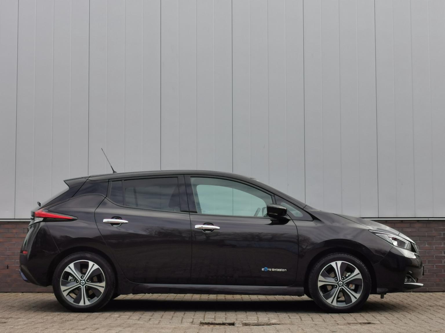 Nissan-Leaf-3