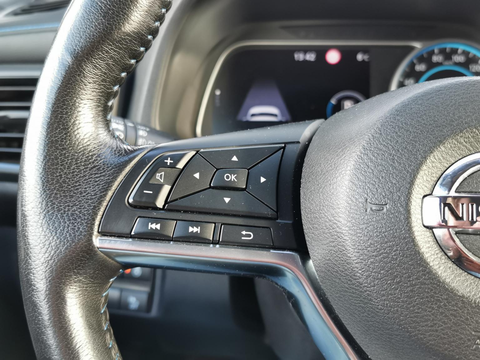 Nissan-Leaf-13