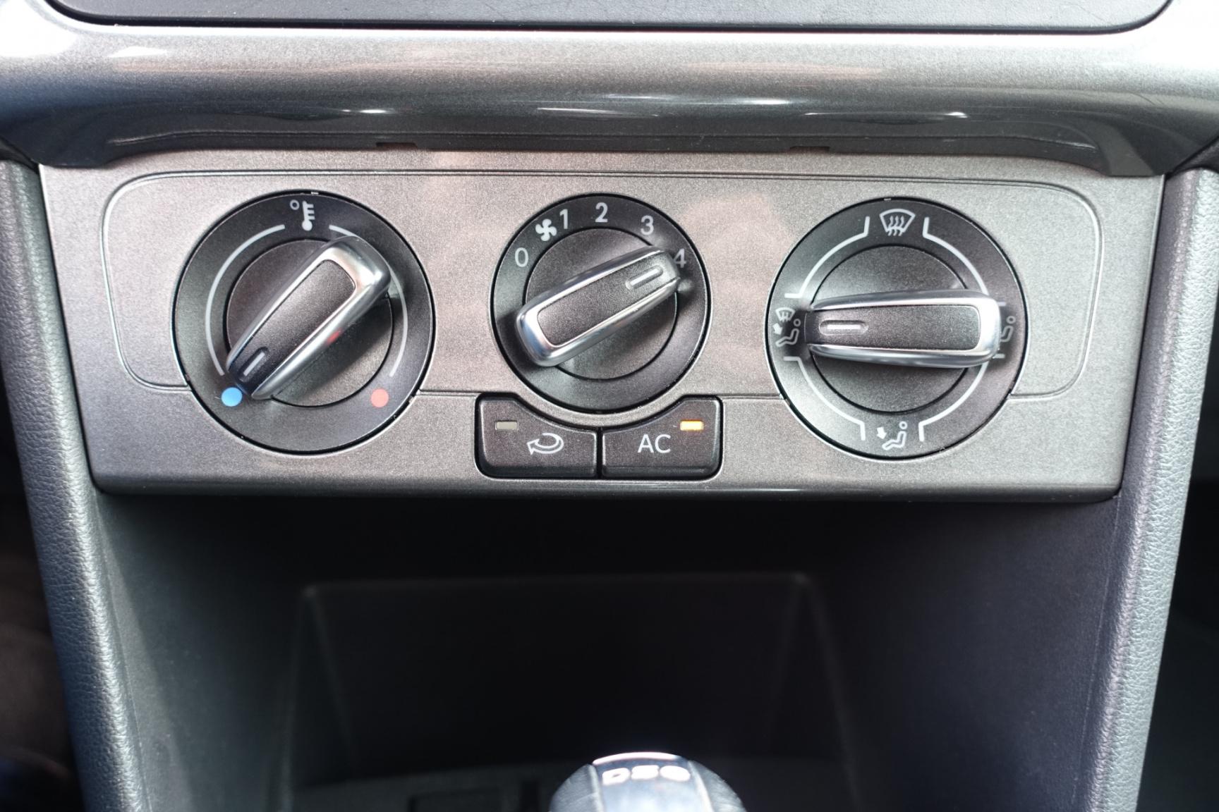 Volkswagen-Polo-19