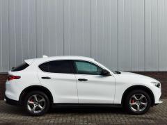 Alfa Romeo-Stelvio-7