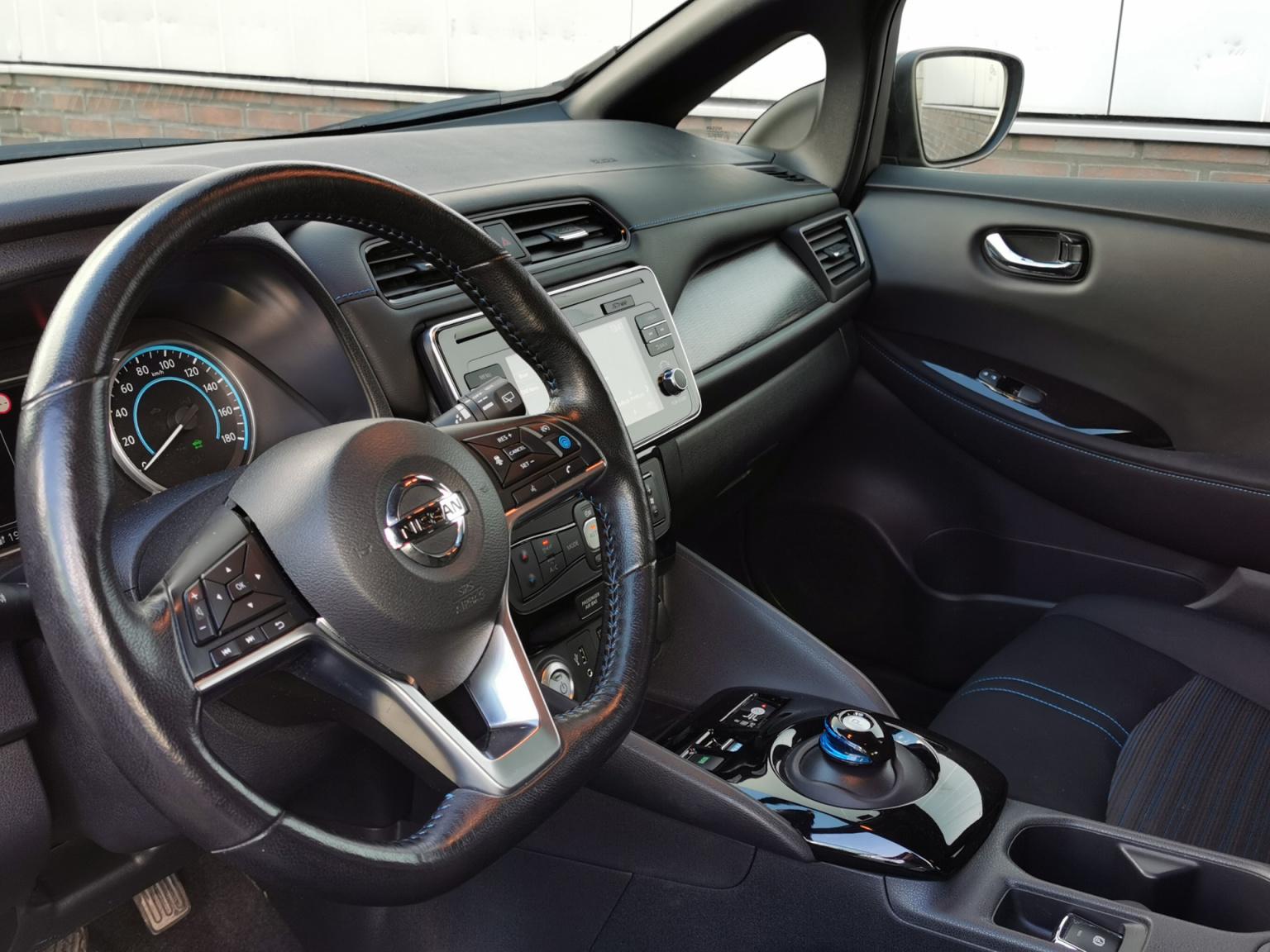 Nissan-Leaf-8