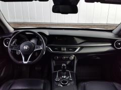 Alfa Romeo-Stelvio-8