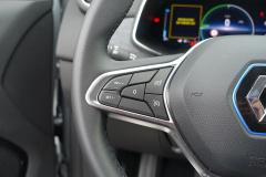 Renault-ZOE-16