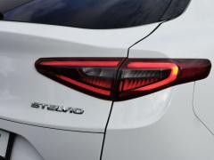 Alfa Romeo-Stelvio-33