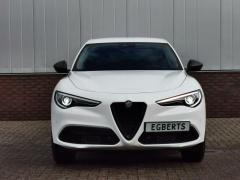 Alfa Romeo-Stelvio-1