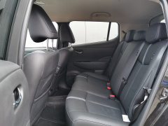 Nissan-Leaf-12